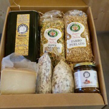 Pacco regalo di pasqua con prodotti di Norcia